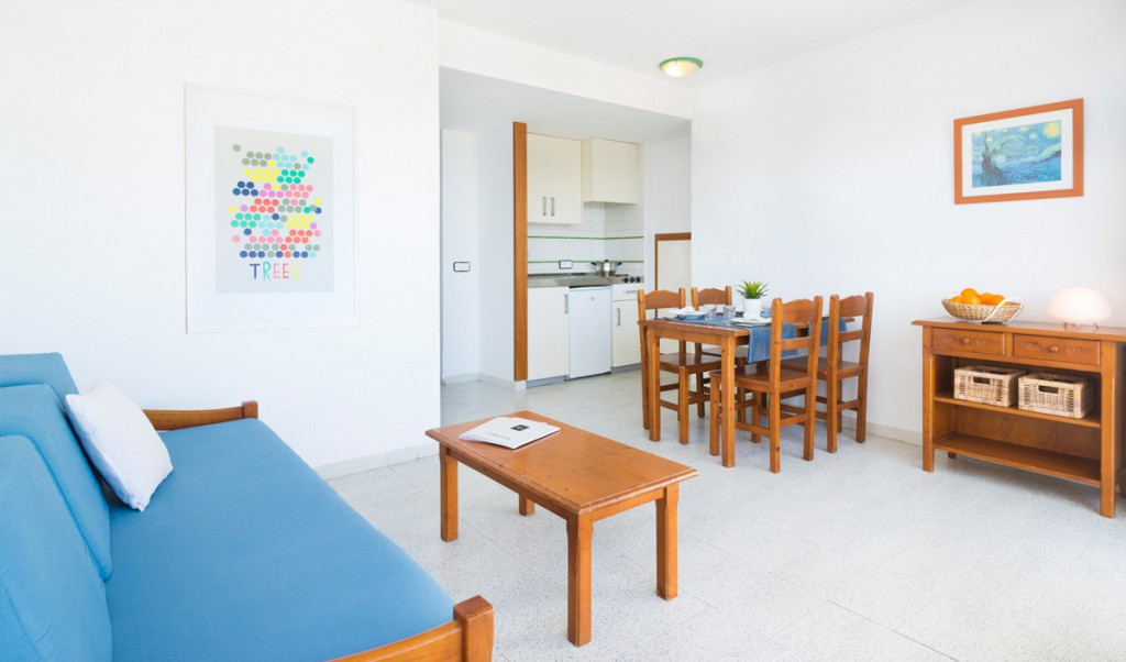 magaluf_strip_apartments_apartamento_salon_comedor